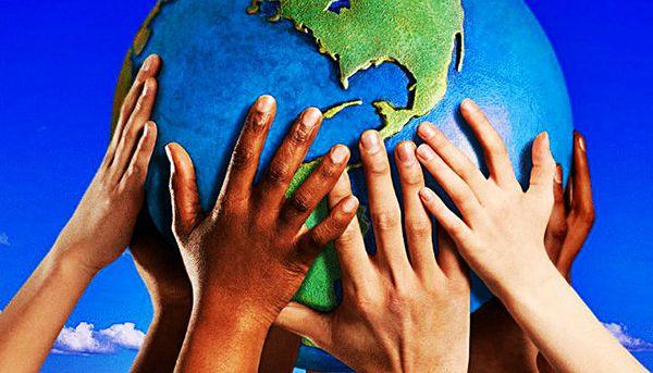 ejemplos de universalismo